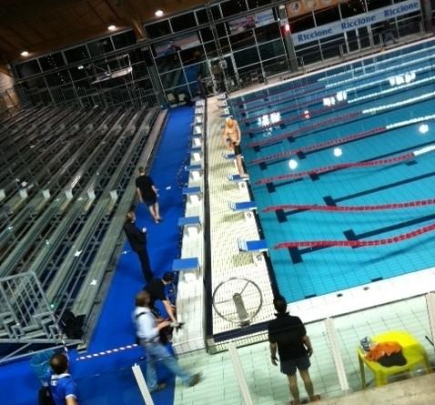 E alla fine la piscina di riccione diventa un set fotografico swimbiz - Piscina di riccione ...