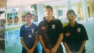 """I piccoli Tocci e De Rose col compagno di squadra Pino Benevenuti, detto """"Il farmacista"""""""