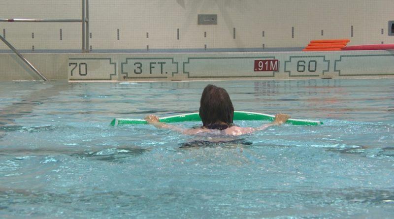 Nuoto salva-vita: a Novara lezioni anche per gli immigrati