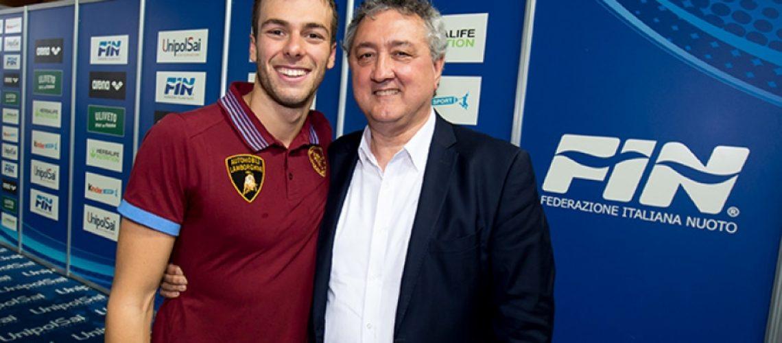 Il Presidente Fin, Paolo Barelli, con l'oro olimpico Gregorio Paltrinieri