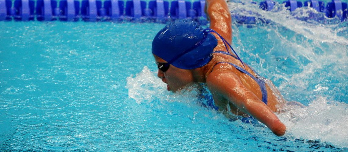 Swimming_at_the_2008_Summer_Paralympics_-_women_Butterfly_stroke.jpg