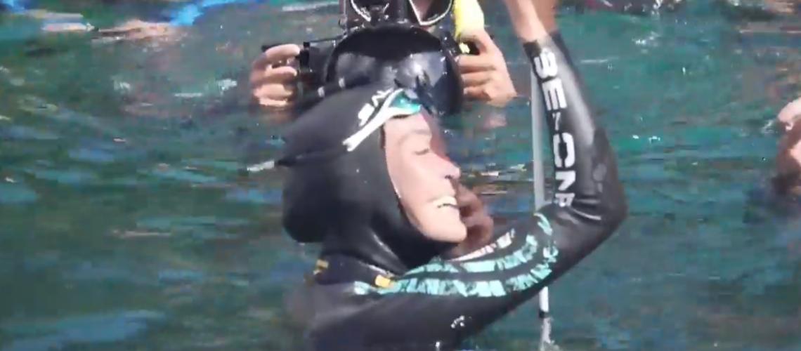 Alessia Zecchini esulta per il record mondiale