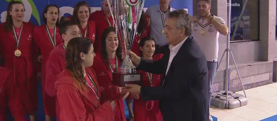 Barelli consegna la Coppa Italia al Plebiscito Padova