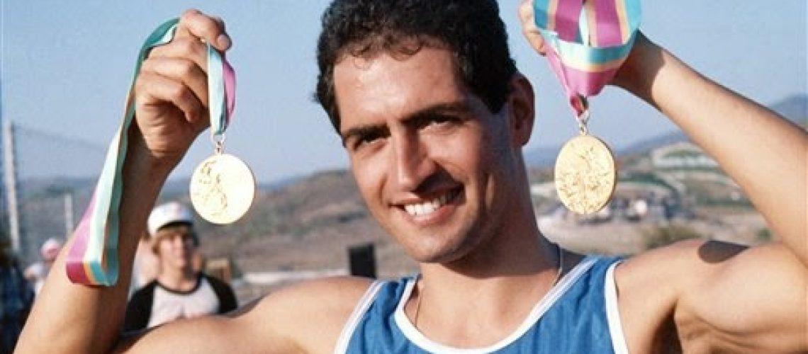 Daniele Masala con gli ori olimpici di Los Angeles 1984