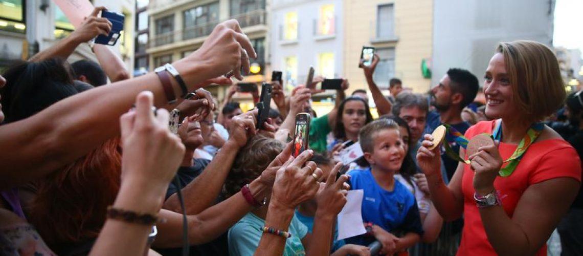 Badalona in festa per Mireia Belmonte Garcia dopo l'oro olimpico 2016
