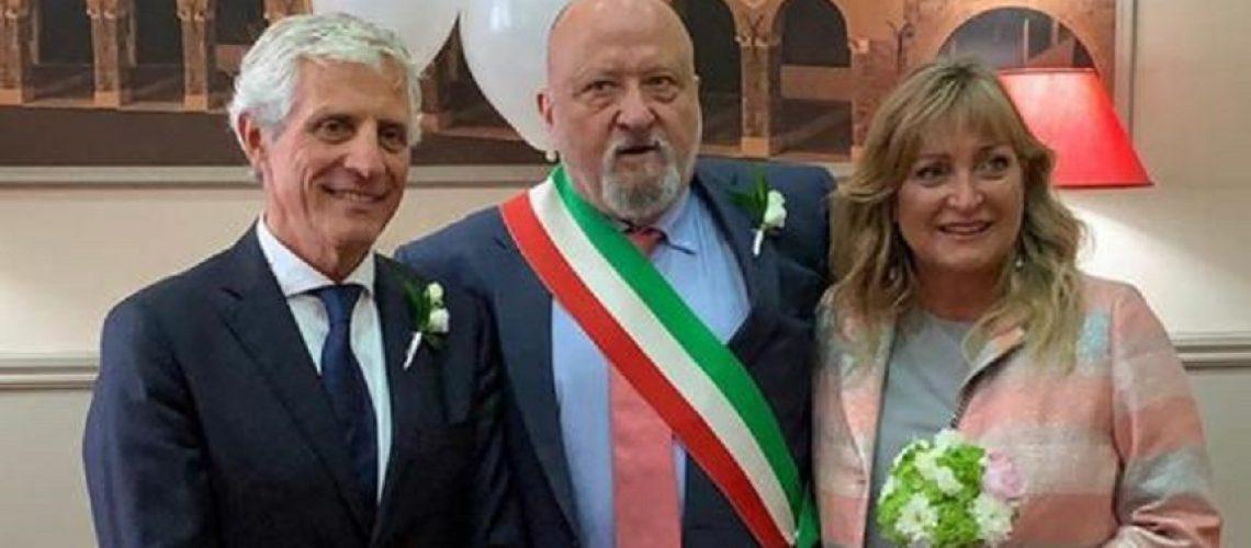 Cesare Butini e Laura De Renzis sposi. al centro Roberto Del Bianco