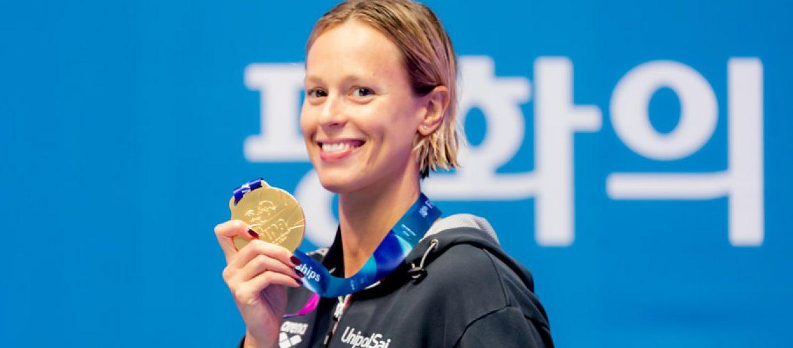 Federica Pellegrini con l'oro mondiale